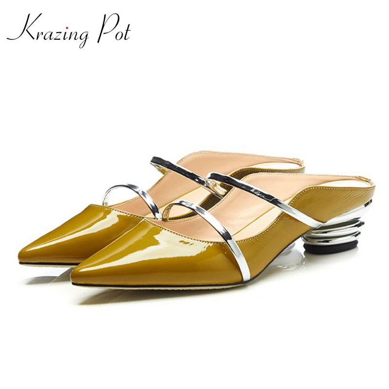 Krazing pot new arrival classic cow leather med heels handmade summer women runway model superstar sandals pointed toe mules L38 krazing pot 2018 new arrival sheep suede thick med heels women hollow decoration pumps buckle poined toe model runway mules l61