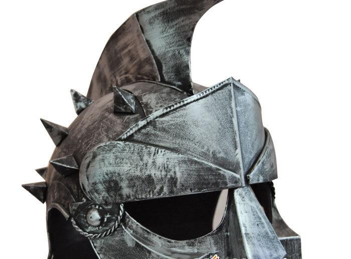 Retro středověké brnění simulace helmy Iron Cross ozdoby kreativní dárky kovové řemesla mohou být smíšené šarže