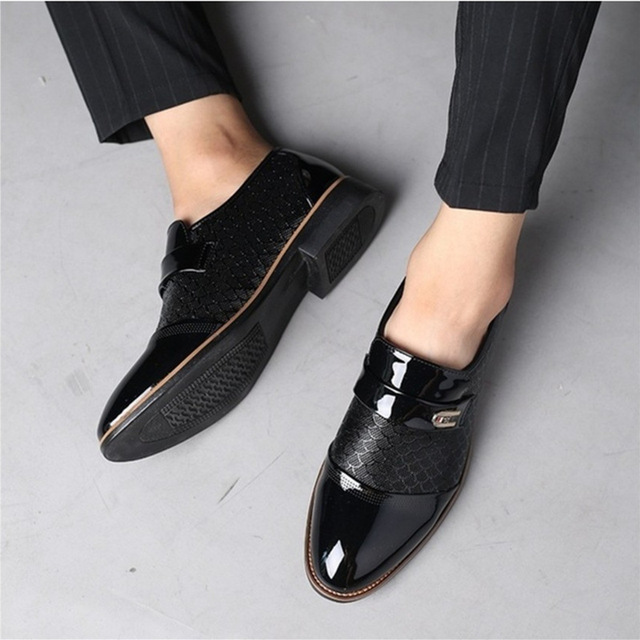Black Brown Slip on Men Dress Shoes Business Shoes Fashion Breathable Oxford Shoes Patent Leather Flats Male Zapatos Hombre 2A