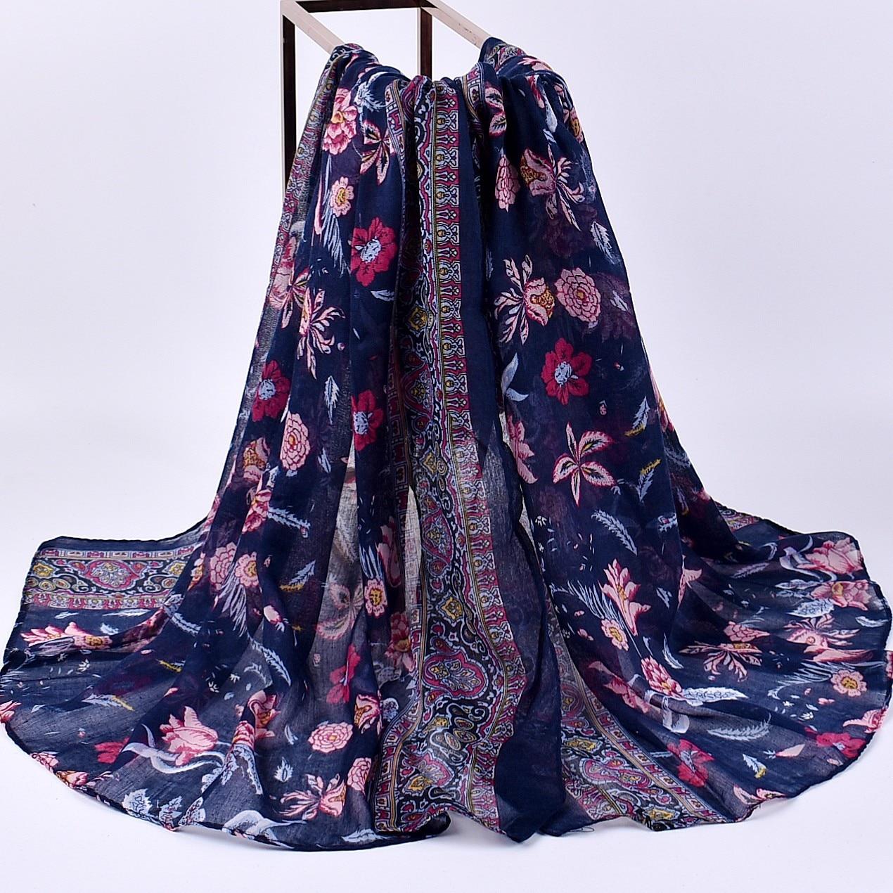 2019 New Design Fashion Scarves Flower Pattern Bohemia Sunscreen Women Chiffon Scarves Autumn Winter Long Scarf Beach Shawl