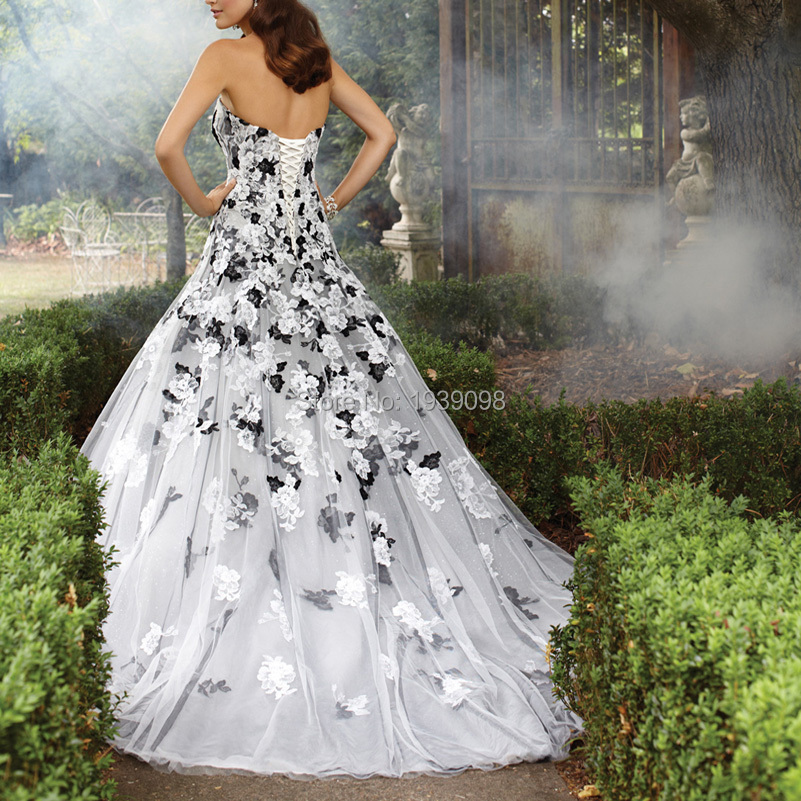 2016 White And Black Gothic Wedding Dresses Strapless Liqued Vintage Country Weddings Gowns Trajes Novias China Online In From