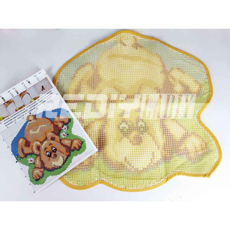 Latch Hook Rug Kits DIY Needlework Unfinished Crocheting Rug Yarn Cushion Mat White Dog at Rest 3D Embroidery Decorative Carpet