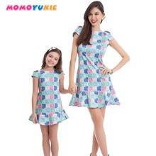 Модель 2018 года семейные платья для мамы и дочки одежда без