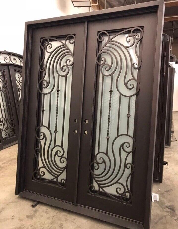 Quincaillerie de porte en fer forgé blanc