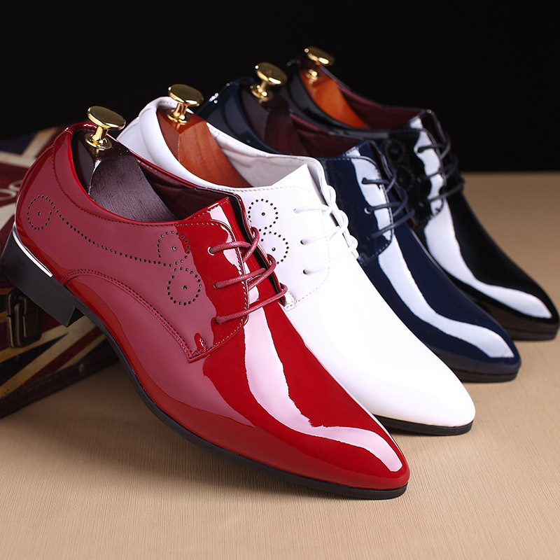New men party Dress shoes breathable fashion wedding casual shoes Patent Leather Male Casual Flats solid lace up white red black