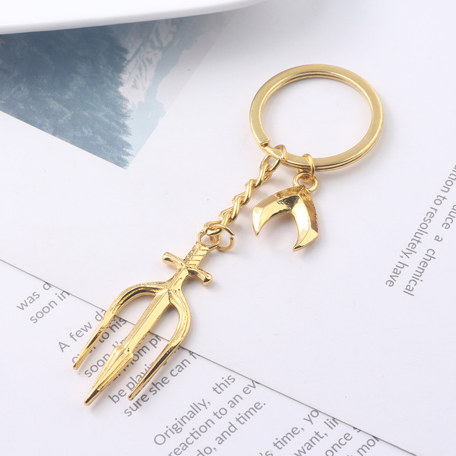 Aquaman Trident of Neptune Keychain Justice League Aquaman Logo Key Chains Gold Chain for Men Car Keyring Choker Jewelry
