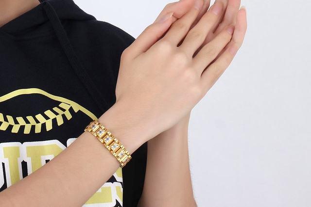 модный мужской браслет на запястье наивысшего качества из нержавеющей фотография