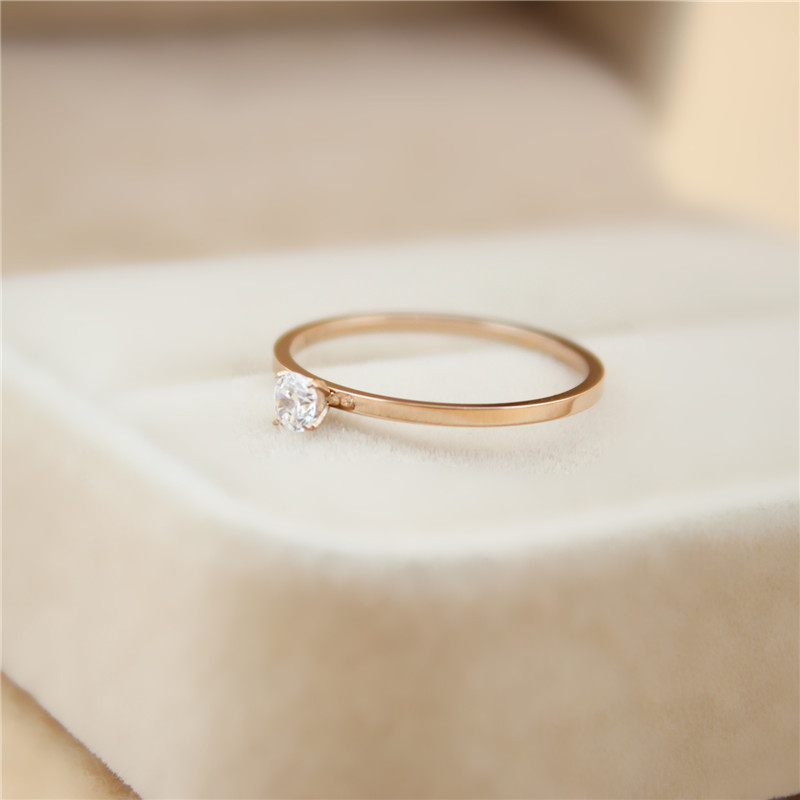 Dünne abschnitt titanium stahl kristall paar ring einfache art und weise rose gold ring weibliche modelle