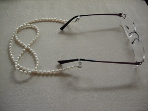 Image 2 - fashionable eyeglass beaded fresh water real pearl necklace chain retainer holder handcrafted sunglass lanyard