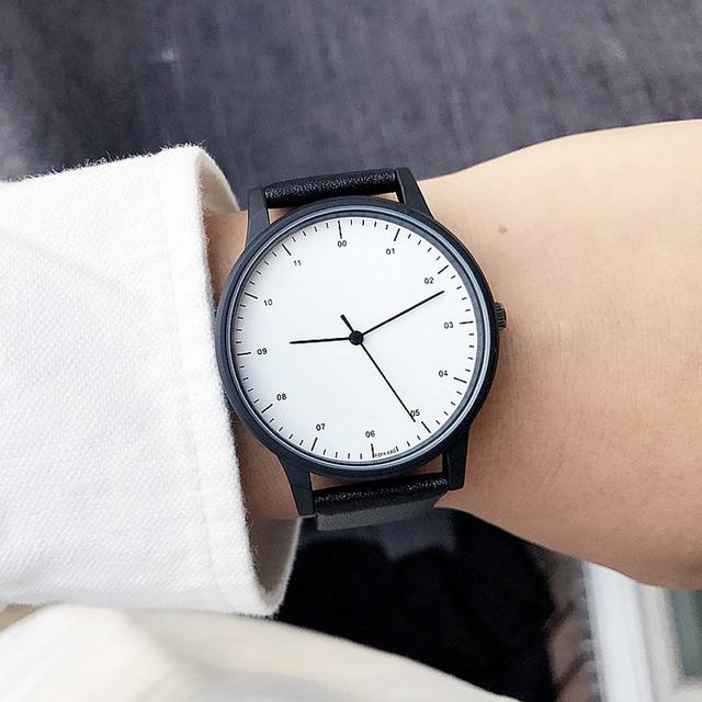 Modny zegarek czerń biel