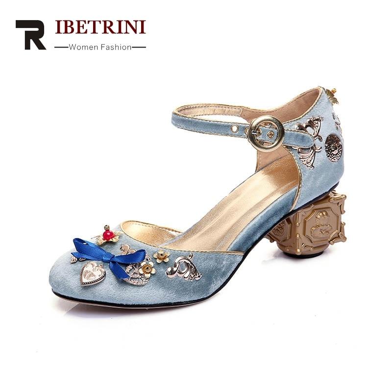 Фотография RIBETRINI 2018 Summer Brand Sweet Velvet Strange Heels Women Sandals Appliques Date Party Wedding Big Size 34-43 Shoes Woman