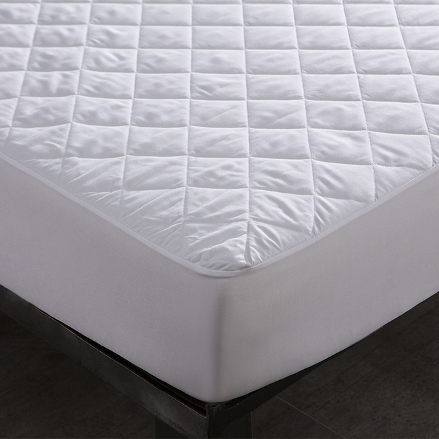 Waterproof Quilted Bed Cover – White