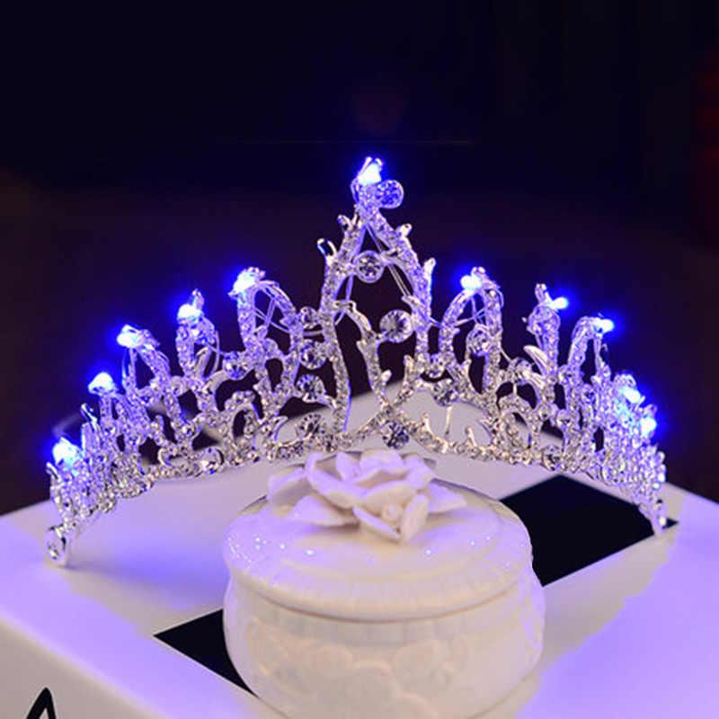 Bridal Crown Fascia di Illuminazione Delle Ragazze Delle Donne di Strass Diademi di Nozze Illuminato Corona LED Principessa Lustro Decorazioni della Festa di Compleanno
