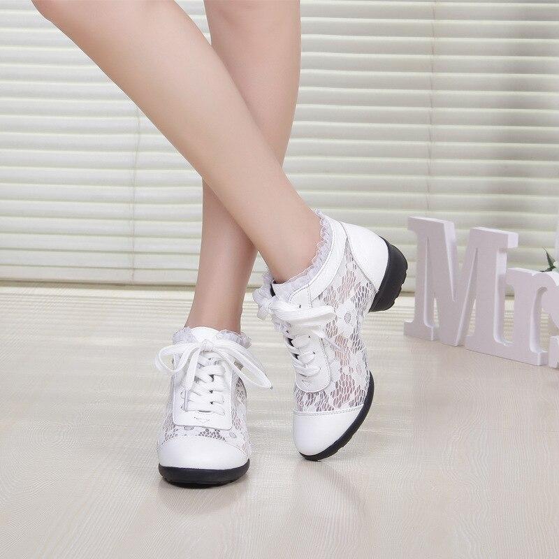 Show femmes chaussures danse respirant maille salon chaussures de danse en cuir fond souple baskets carré moderne chaussures femme bottes sport