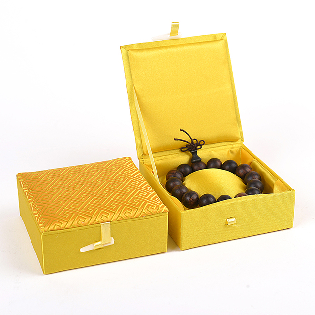 Plain Chinese Silk Brocade Soft Box 10cm Square Gift For Bracelet Jewelry High End