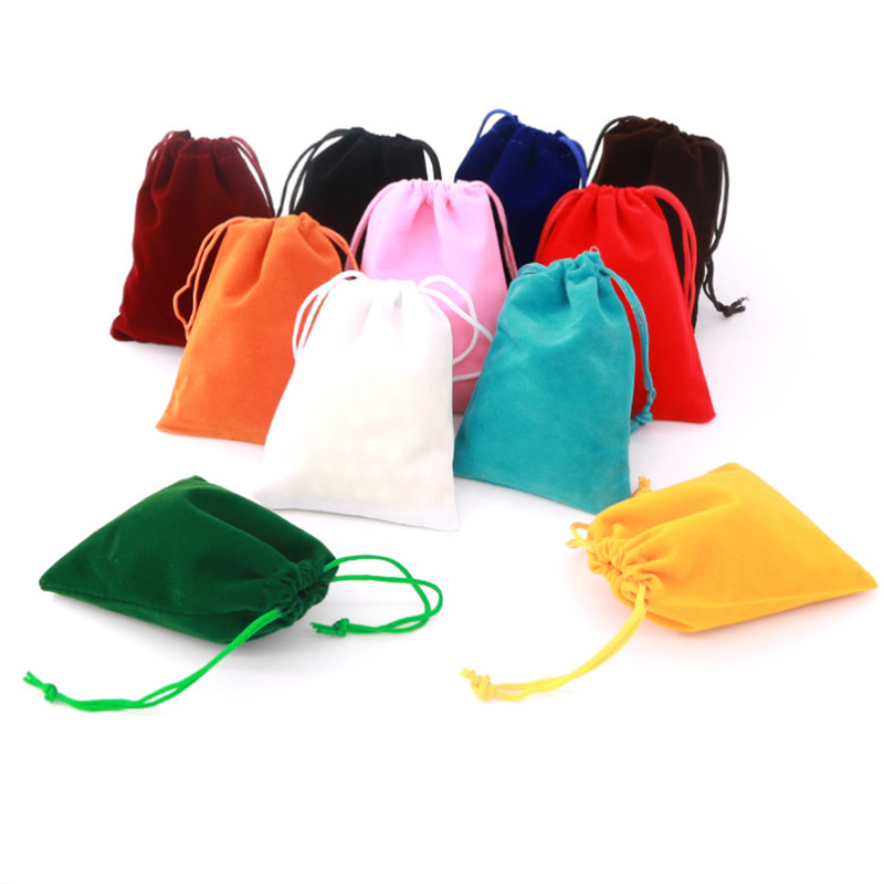 High Quality 10pcs 9*12cm Velvet Dice Bags For Board Game Cards Packing Or Dice-collectong Bag Drawstring Pouches 10 Colors