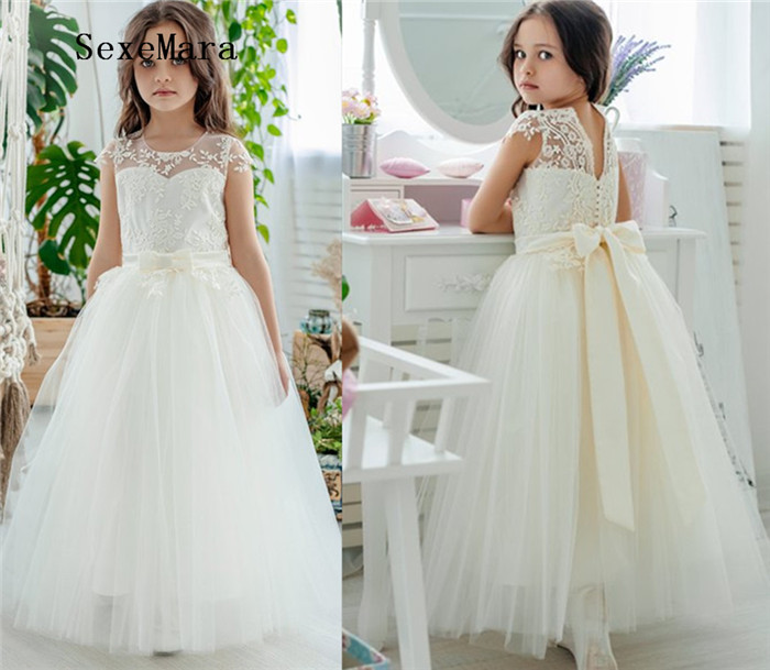 Newest Cute Flower Girls Dresses Sheer Neck Short Sleeve Lace Applique Kids Girls Pageant Dresses Birthday Gown with Sash fleece dot applique semi sheer top
