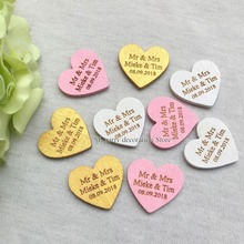 100pcs Personalized Engraved Wedding Name Date Wooden Love Heart Tags Bridal Shower Favors Table Decor 30*29mm
