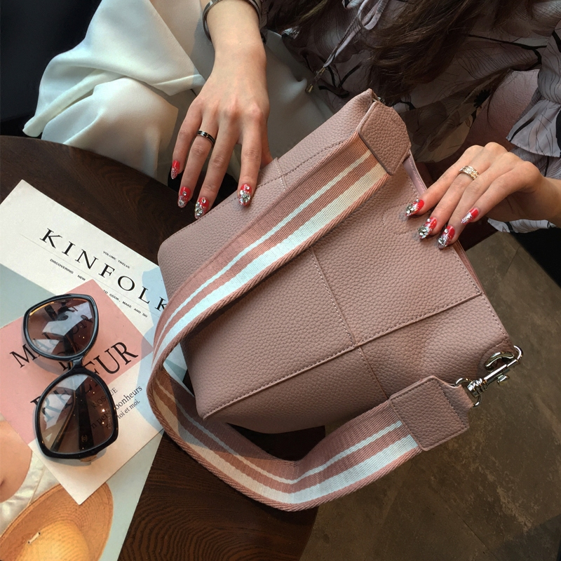 Composite bag 2018 female fashion bag bag ladies handbag bucket bag solid shoulder diagonal bag
