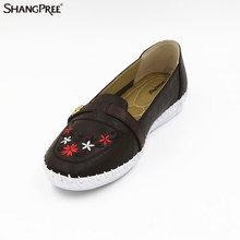 Hot 2017 Classic Women Casual Shoes Spring Autumn  Nurse Flats Embroidered Fashion Round Toe Shoes Woman