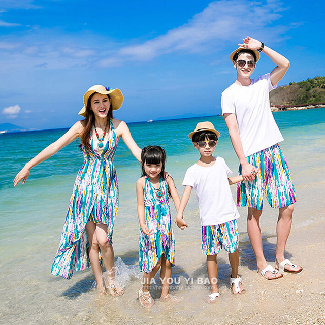 7a8cb36fa07 Summer Style Family Matching Clothing New Arrival Matching Mother And Daughter  Dresses Striped Sleeveless Beach Maxi