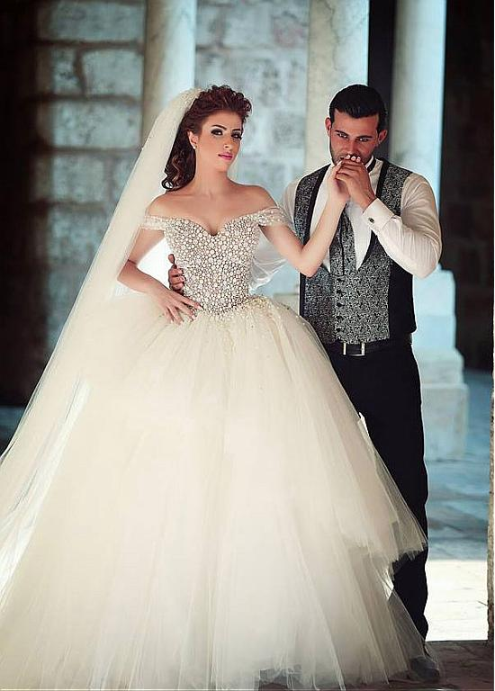 2016 New Sexy Off The Shoulder Pearls Tulle Ball Gown Wedding