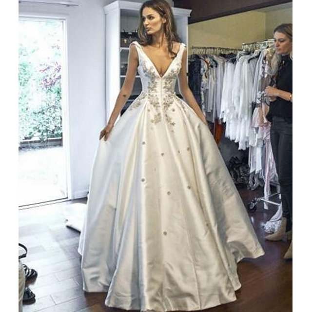 A Line Satin Wedding Dresses With V Neck 3D Appliques Wedding Gowns ...