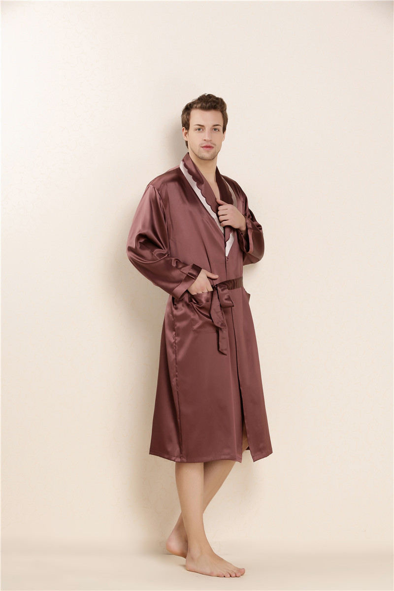2017 100 Real Silk Summer Bathrobe Mens Gown with Belt and Pockets Male Sleepwear Solid Pajamas