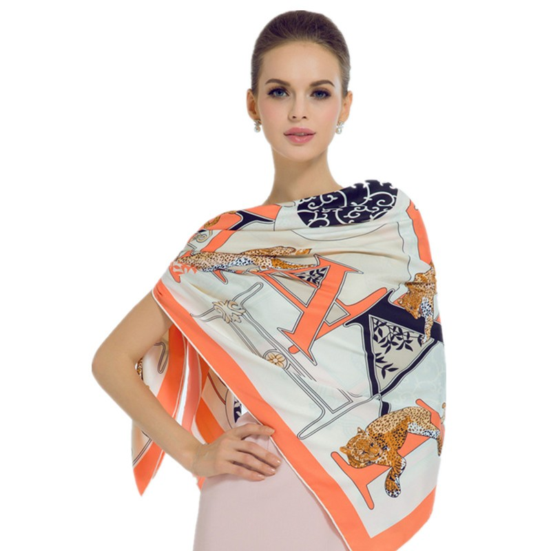 Luxury-Women-Brand-Silk-Scarf-Fashion-Leopard-Flower-Letter-Lady-Shawl-130cm-Big-Square-Pashmina-Hot (2)_
