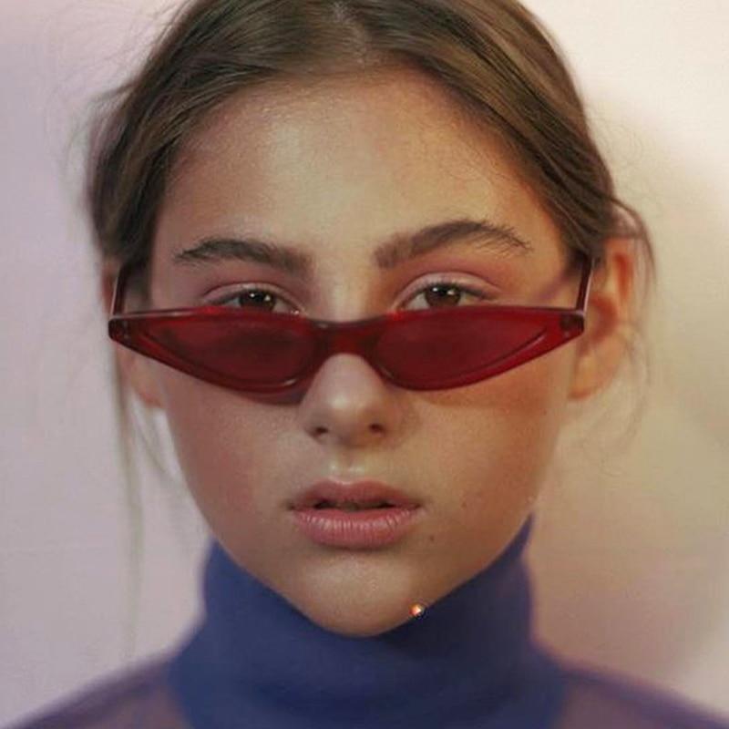 TOYEARN 2018 Nova Moda Vintage Sexy Lady Cat Eye óculos de Sol mulheres  Designer de Marca Pequena Óculos de Sol Feminino Gafas de Oculos sol em  Óculos de ... 3a80e65b6c