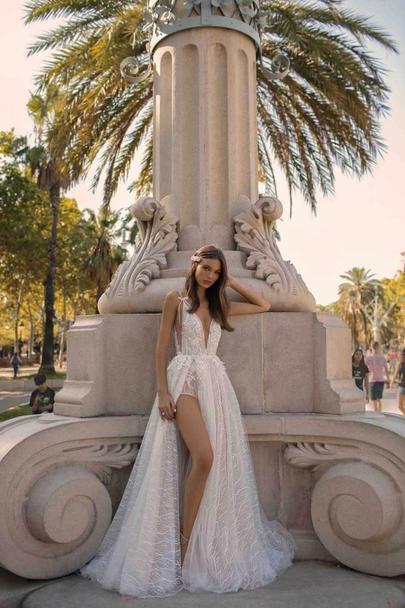 2019 קו חתונת שמלות סקסי V צוואר צד גבוה פיצול ללא משענת תחרה חוף כלה שמלות טול חתונת שמלת Vestido דה Novia