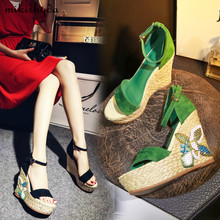 2017 Summer New Thick Sole Wedges Leather Sandals Espadrille Fashion Grass High-Heeled Open Toe Buckle Green Black Platform Shoe