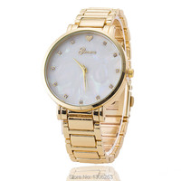 Gold Alloy Geneva Watch Women Bracelet Watch Heart Shell Mother Of Pearl Dial Watch Relojes Mujer