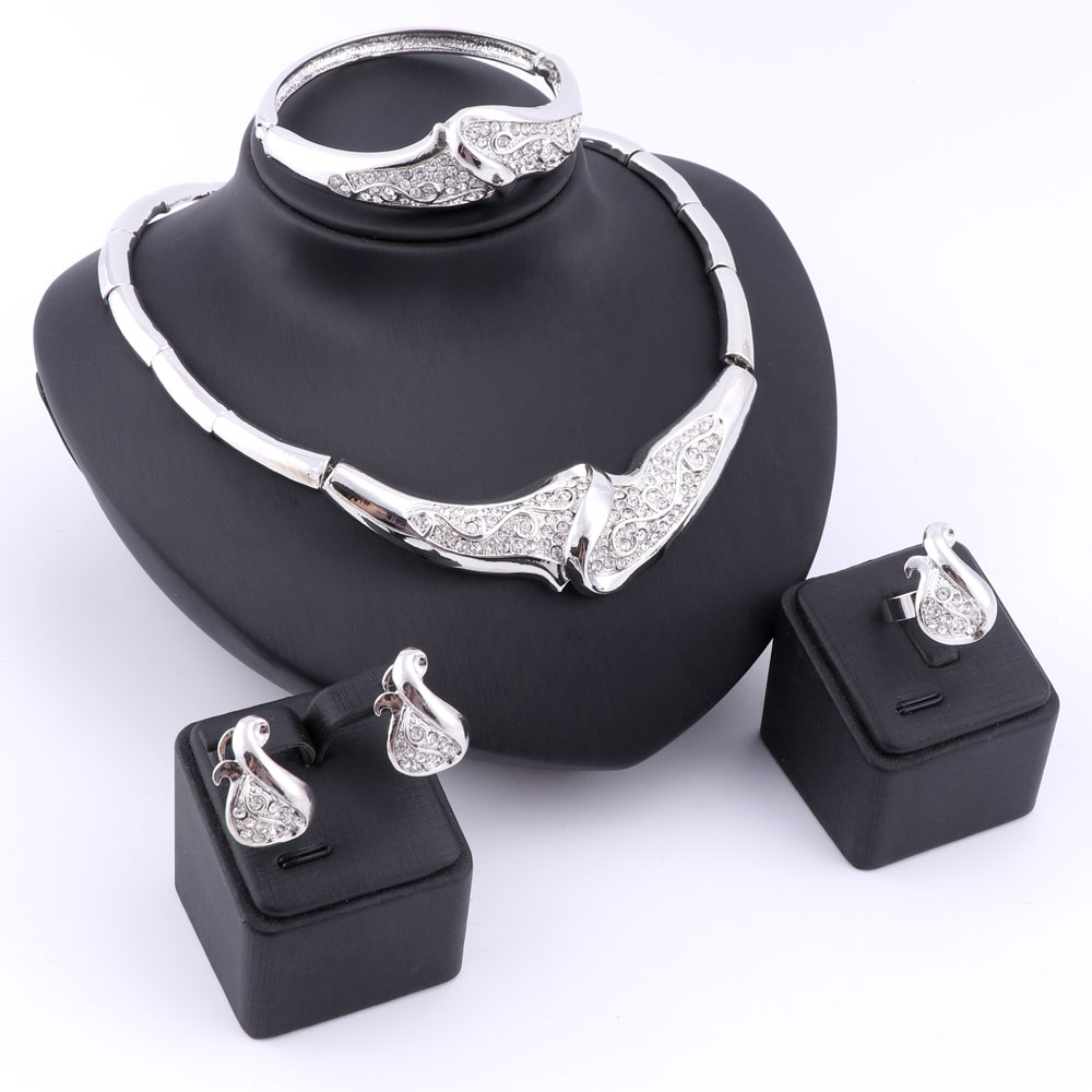 Fashion Platinum Plated Trendy Jewelry Sets For Women Imitated Crystal Necklaces Earrings Bracelets Wedding Rings Fashion Choker