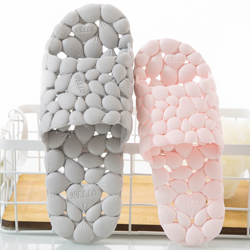 Women Summer PVC Home Slippers Lovers Hollowed Out Love Soft Bottom Flip Flops Indoor Men's Korean Bathroom Slippers