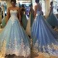 Cielo Azul de Tul Con Apliques de Encaje Blanco vestido de Bola Vestidos de Novia Sin Tirantes Atractivo Backless Largo Del Banquete de Boda Vestidos Para Novia