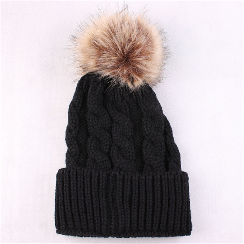 2017 New Arrival Women's Hats Skullies Beanies Winter Hat Pompom High Quality Knitting Thicken Women's Cap Headdresses For Women the new children s cubs hat qiu dong with cartoon animals knitting wool cap and pile