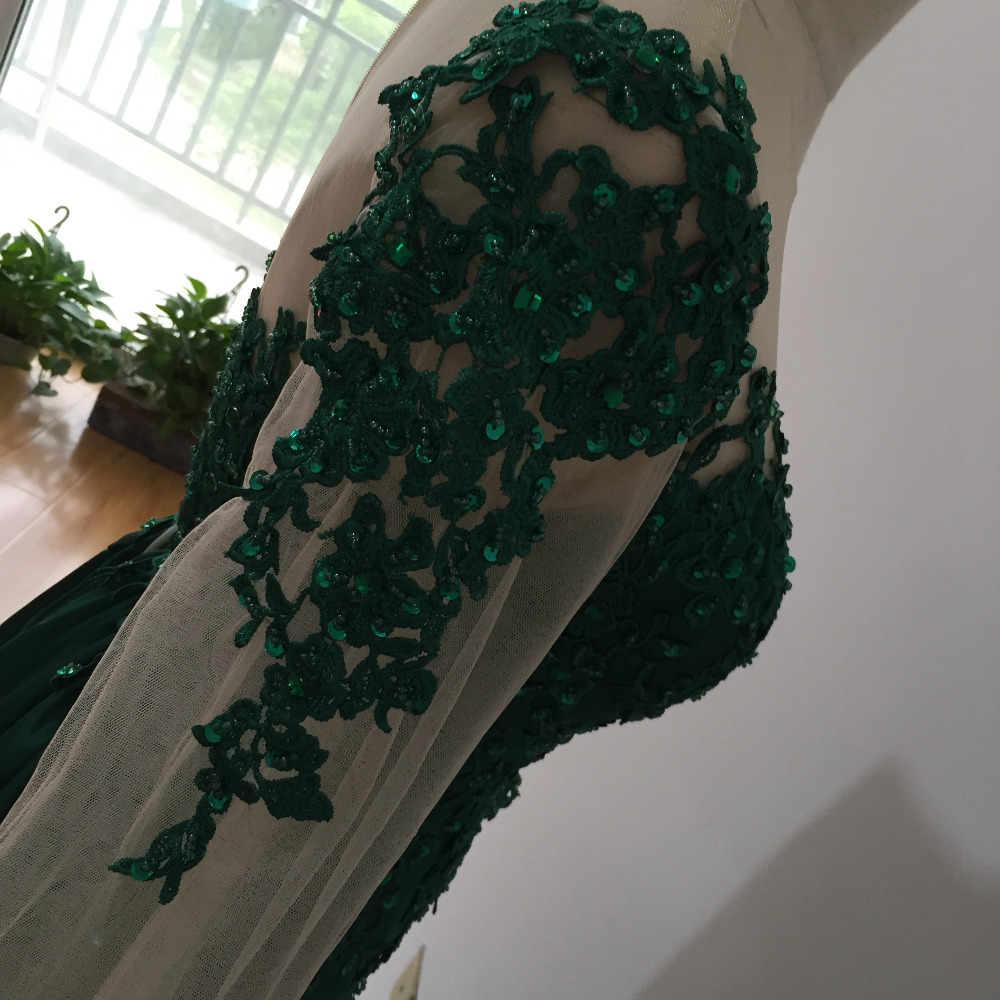 Long Sleeve Green Lace Evening Dresses 2019 Elegant Muslim Prom Dress Beaded With Detachable Train Dubai Formal Prom Party Gowns