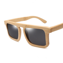 2019 new men women  bamboo frame Polarized HD Sunglasses Fashion personality Square Anti UV sun glasses driving mirror OEM