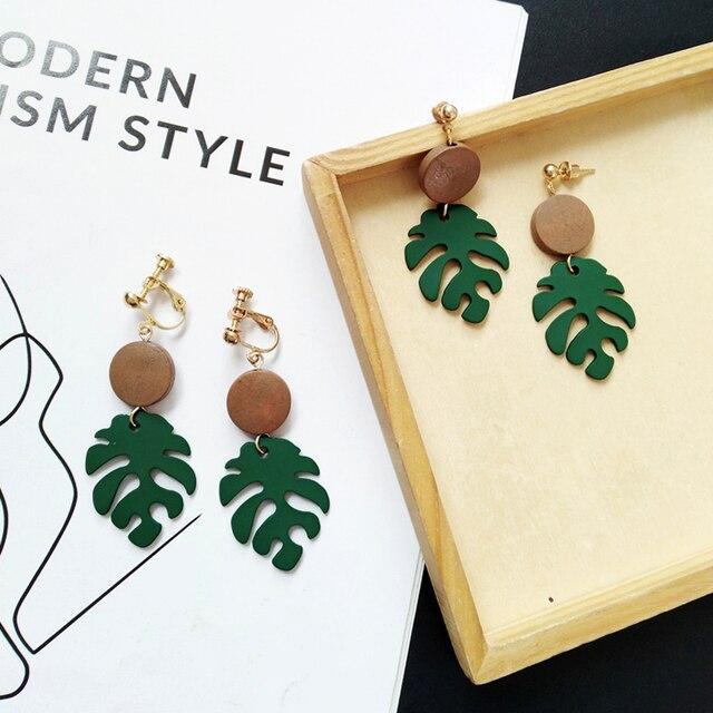 Retro wood leaves earrings 2