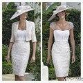 2016 blanco elegante hasta la rodilla de encaje scoop pura manga corta cuello madre vestidos sexy lf2739 madre de la novia viste con la chaqueta