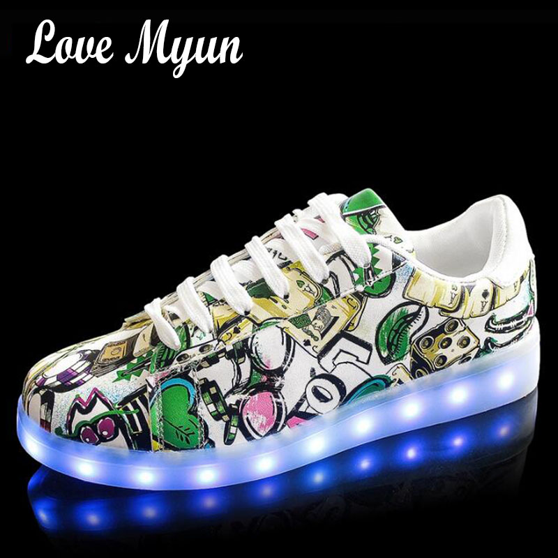 Women lights up led luminous shoes low Shoes Black white luminous shoes LED glow USB charge Brand Girl LED sneakers Flats II-277 chic lights up led luminous and colour block design women s athletic shoes