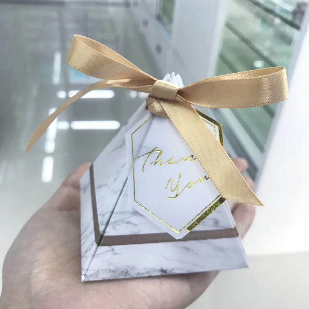 100pcs Hot Sale Triangular Pyramid Marble Candy Box gold bows tags Wedding Favors Christmas Party Supplies