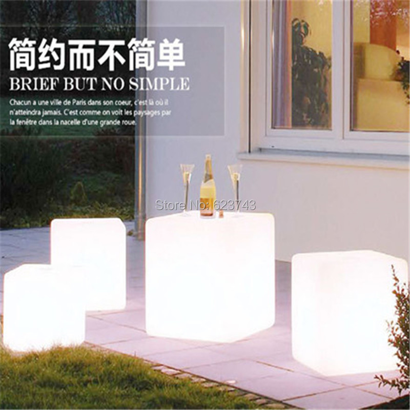 Led-Luminous-Light-Bar-Stool-Color-Changeable-Plastic-Cube-White-Chair (6)