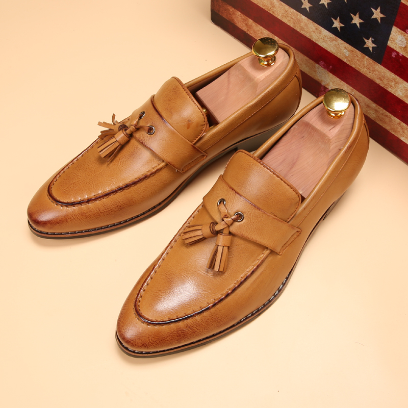 a1d41d2ae Роскошные Брендовые мужские нарядные туфли с острыми носками известный кисточкой  итальянская обувь мужской формальный балетки на плоской подошве модные ...