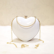 Angelatracy 2019 New Arrival Fashion Hot Heart Shape Black White PVC Chain Solid Shell Day Clutches Women Shoulder Bag Handbag