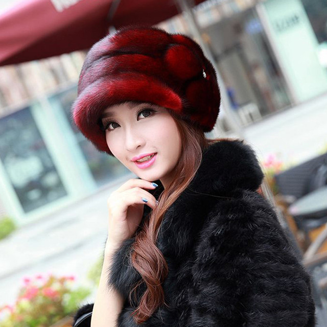 Russian woman selling real mink fur hat with the Royal Mink Pom Pom Beanie handmade genuine fur cap female cap MZ028