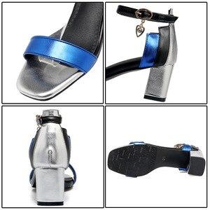 Image 4 - Phoentin 발목 랩 버클 스트랩 여성 샌들 큰 크기 혼합 된 색상 크리스탈 펜 던 트 sandalia 평방 발가락 여름 신발 2019 ft260