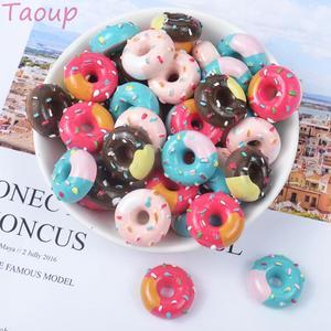 Image 1 - Taoup 10pcs שרף שמנת קינוח מלאכותי סופגנייה מזון מזויף אבזר סוכריות סופגנייה עיצוב עבור טלפון שמח מסיבת יום הולדת דקור עבור בית