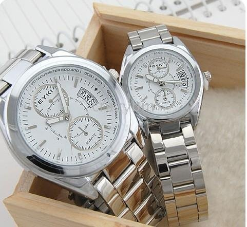 wholesale fashion watch- - 10 pcsHot Latest Classic Calendar section couples to the table Watches